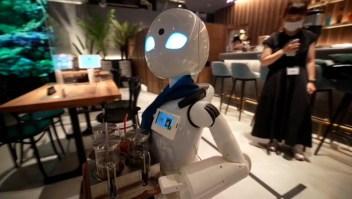 Café de Tokio combina robots e inclusión