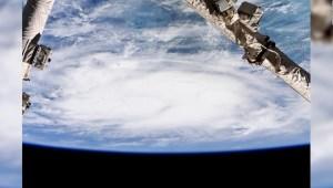 Analizan cómo el cambio climático afecta a los huracanes