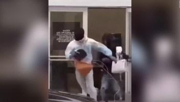 Graban el robo descarado a una tienda de lujo