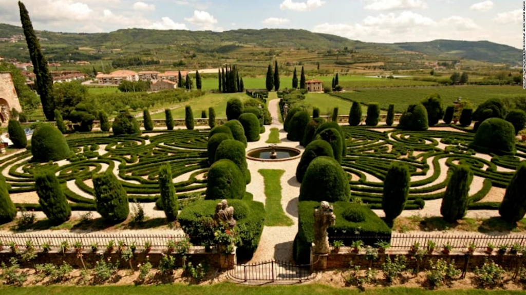 A trip through the most beautiful gardens of Italy