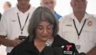 Alcaldesa de Miami llora al pedir apoyo a las víctimas del colapso