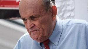 Otro duro revés profesional para Rudy Giuliani