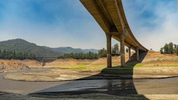 """La sequía en la costa oeste de EE.UU. """"asfixia"""" a sus habitantes"""
