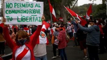 Algunos dicen que prefieren dictadura a Castillo presidente