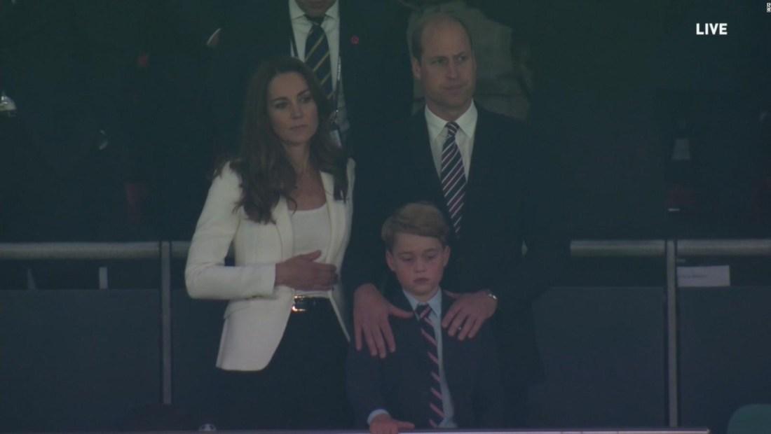 Príncipe William reacciona a comentarios racistas