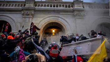 Mira el asalto al Capitolio desde el medio de la multitud
