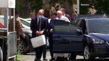 El papa Francisco regresa al Vaticano tras operación