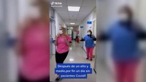 Así celebran enfermeros un día sin pacientes de covid-19
