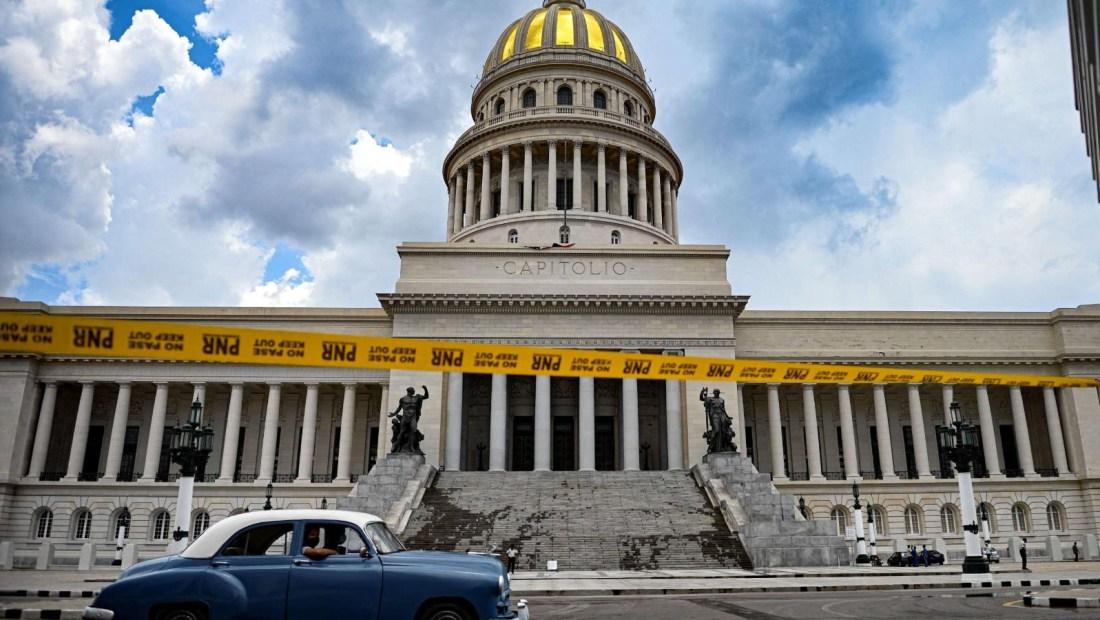 Yoani Sánchez: Miles de cubanos reclaman fin del régimen