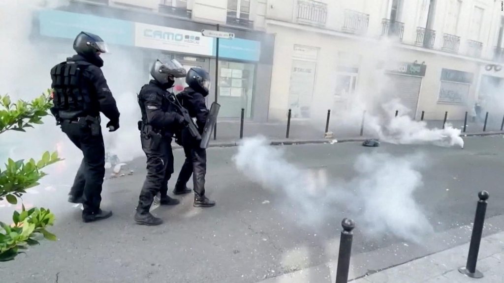 Rechazan medidas que impulsan vacunación en Francia