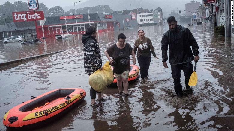 La peor lluvia en Alemania en un siglo deja decenas de muertos y cientos de desaparecidos, dicen las autoridades