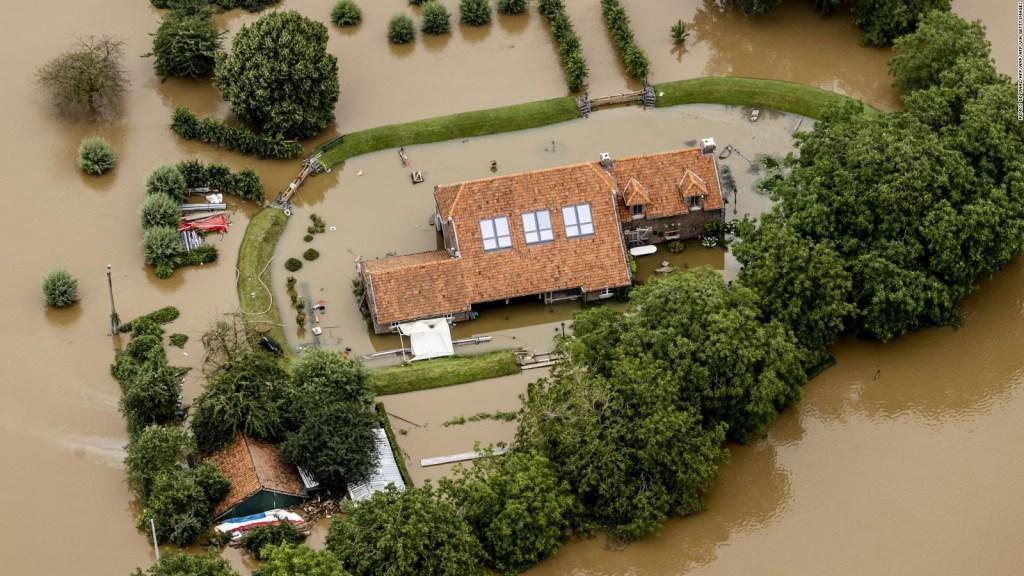 Familias atrapadas por inundaciones extremas en Europa