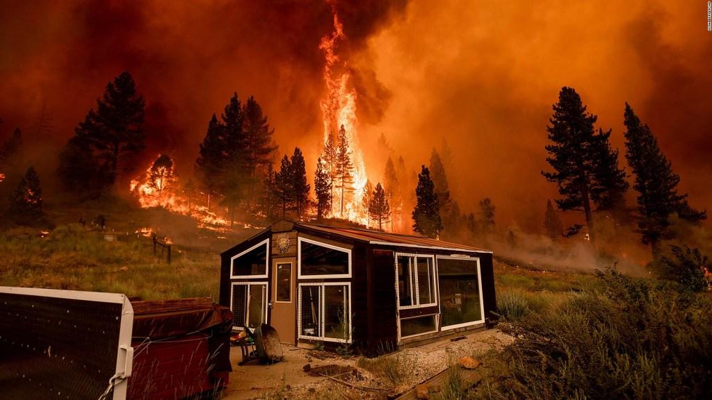 Incendio Bootleg quema más de 120.000 hectáreas en Oregon