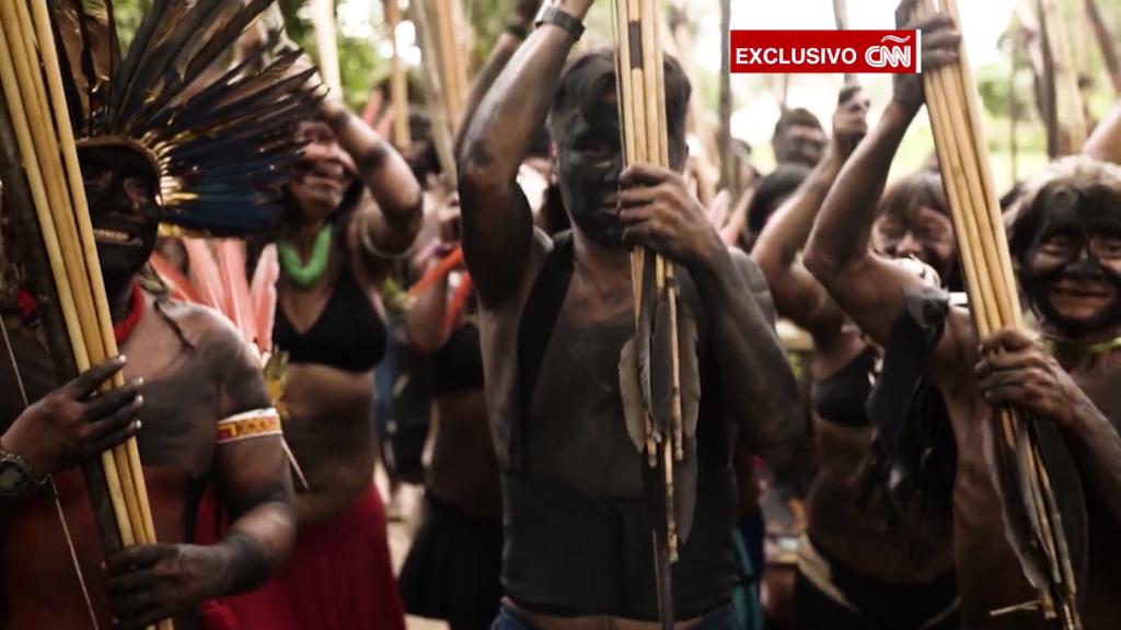 Indígenas del Amazonas se enfrentan a mineros de oro
