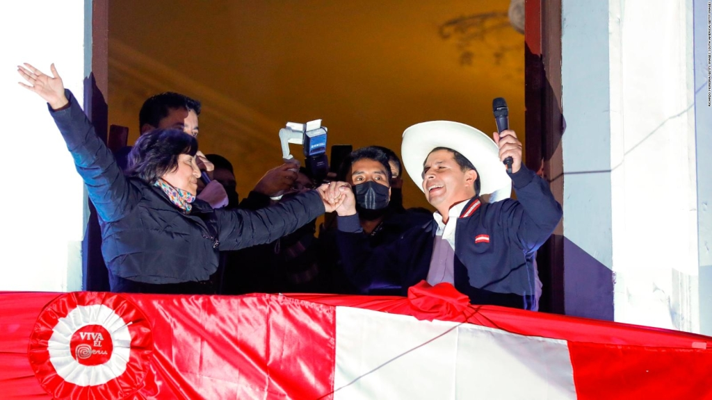 Los primeros pasos de Castillo como presidente electo de Perú