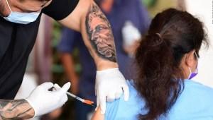 Los vacunados no están libres de coronavirus y variantes