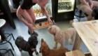 "Un bar de Londres ofrece ""Puptails"" para animales"