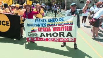 Inmigrantes marchan para pedir reforma que los proteja