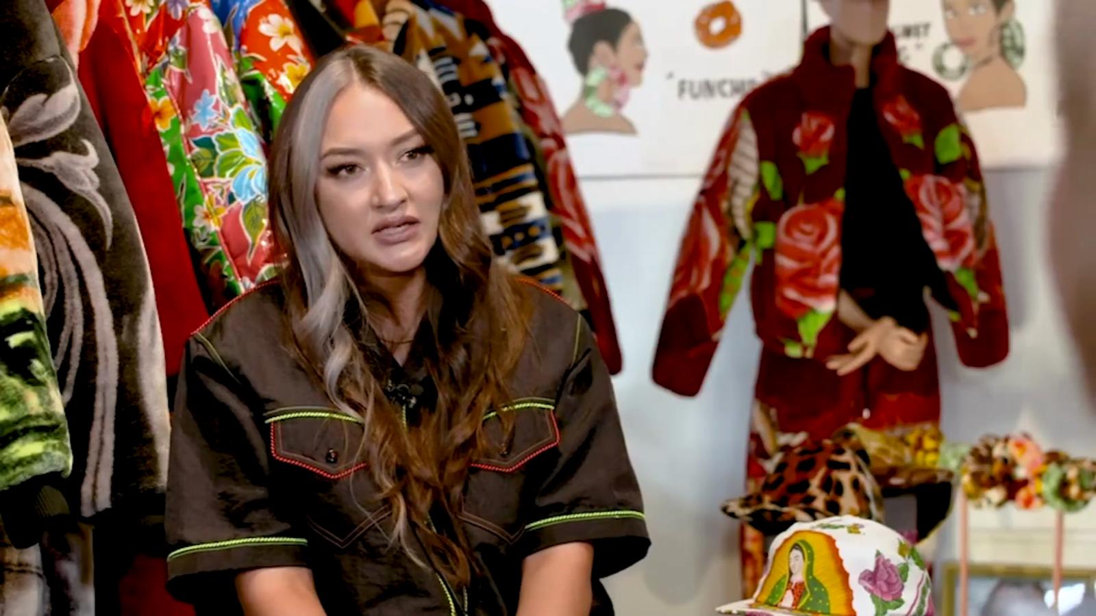 La diseñora latina que crea prendas al estilo mexicano y las usan JBalvin, Bad Bunny y Lil Nas