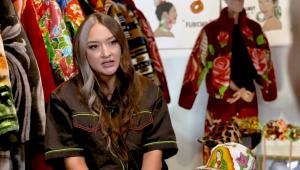 JBalvin y Bad Bunny usan las cobijas de esta diseñadora mexicana