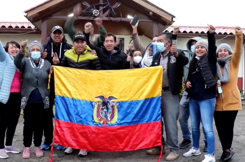 La alegría de Richard Carapaz y su familia tras el oro olímpico