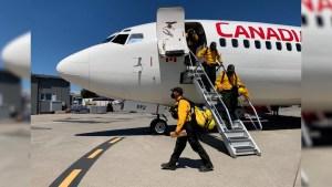 Bomberos de México combaten incendios en Canadá