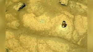 Pequeño pedazo de metal es la imagen de la semana en Marte