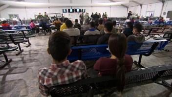 EE.UU. retoma deportación exprés de algunos migrantes