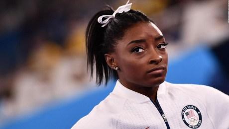 Simone Biles prioriza la mente sobre el deporte en Tokio