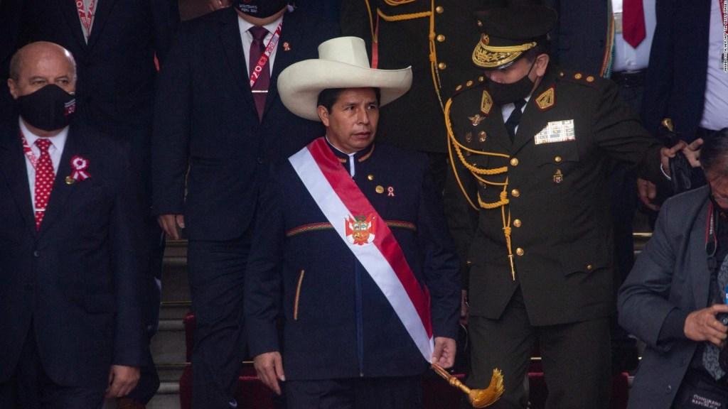 ¿Para qué quiere cambiar la constitución Pedro Castillo?
