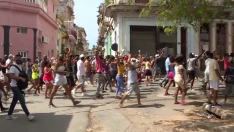 Justicia de Cuba arremete con dureza contra manifestantes