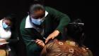 Guatemaltecos viajan a México en busca de una vacuna