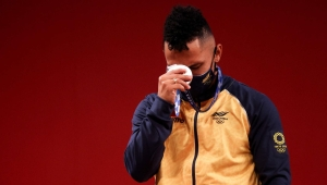 La emoción de Luis Mosquera tras ganar plata en Tokio