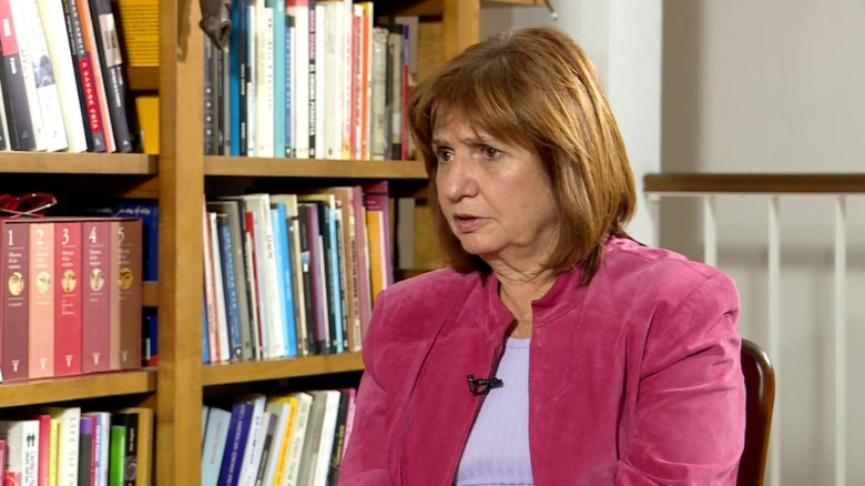 Bullrich niega que autorizó envío de armas a Bolivia