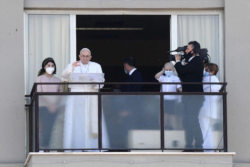 papa Francisco hospital