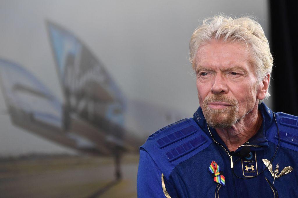 Sir Richard Branson habla después de volar al espacio a bordo de una nave de Virgin Galactic, un viaje que describió como el