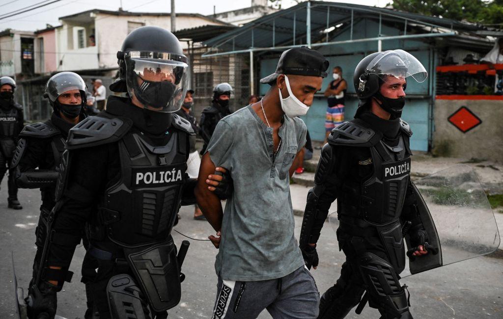 Bachelet pide a Cuba que libere a manifestantes detenidos