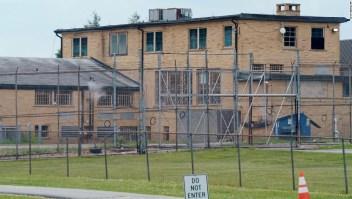 Prisión mujeres Nueva Jersey abusos agentes correccionales