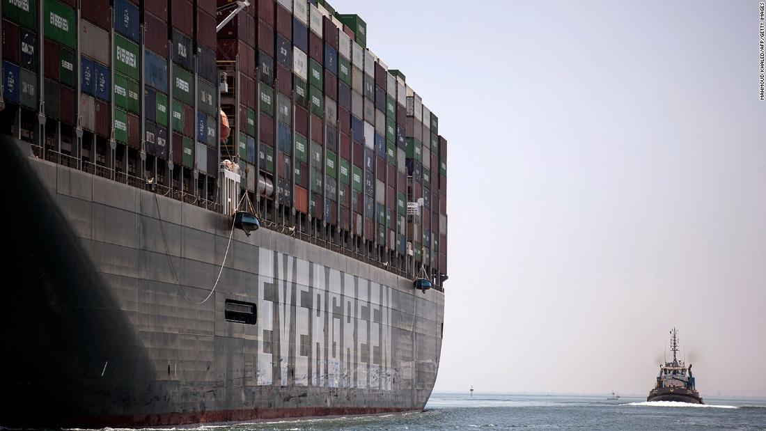El buque Ever Given finalmente abandona el Canal de Suez