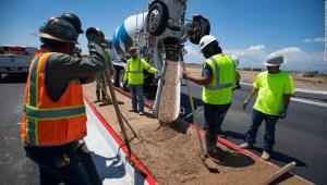 Estados Unidos necesita desesperadamente 1 millón más de trabajadores de la construcción