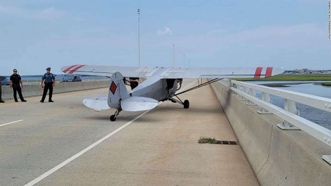 Un piloto adolescente realiza un aterrizaje de emergencia en un puente de Nueva Jersey
