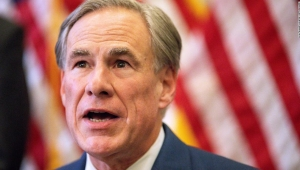Lo que debes saber sobre el decreto de covid del gobernador de Texas dirigida al transporte de migrantes