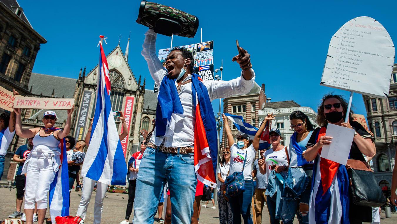 Cómo 'Patria y Vida' se convirtió en el himno de las protestas antigubernamentales cubanas
