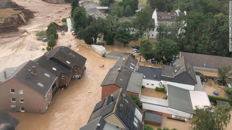 Más de 100 muertos por inundaciones en Europa