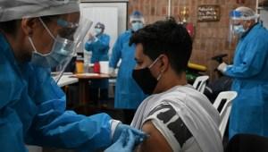 vacunación-covid-19-uruguay.jpg