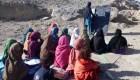 Estudiantes afganas huyen a Rwanda por llegada del talibán