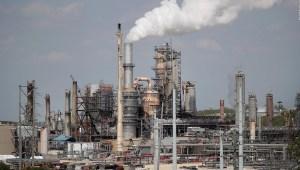 El interés de gobiernos autoritarios en la energía fósil