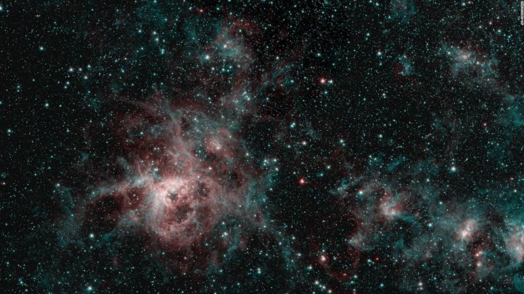 """Conoce este viaje espacial a la """"nebulosa de la tarántula"""""""