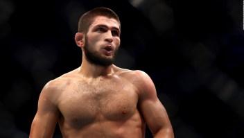 Leyenda del UFC cambia los guantes por botines de fútbol