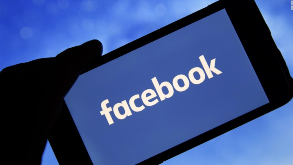 Facebook supprime des comptes pour désinformation sur le covid-19